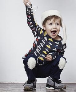 Antik new concept. El espacio de los nuevos creadores. Fashion kids. Sweater de manga larga. Duygu Massol. Les petits Vagabonds