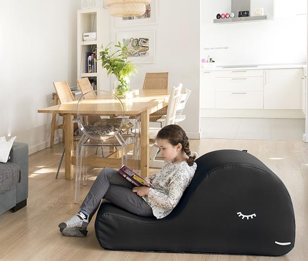 Antïk new concept. El espacio de los nuevos creadores.Balle,a sillon de lectura único y divertido