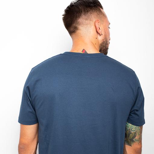 antik new concept. Camiseta ballena whale. Save the Ocean
